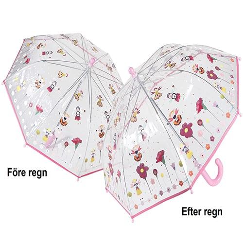 barnparaply ändrar färg i regnet